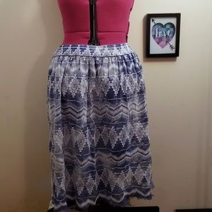 6th & Lane 3/4 Length Skirt with POCKETS!